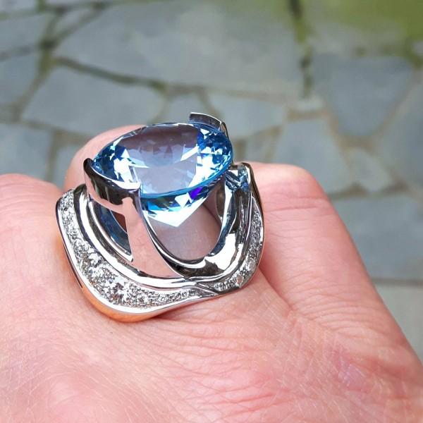 Ring met edeltopaas kleursteen van de juweeldesigner - Steen ijzer smeden ...