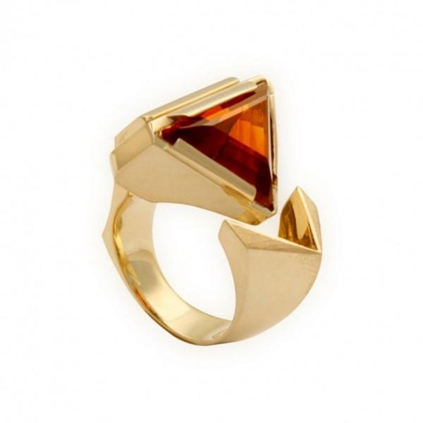 open-ring-oranje-driehoek